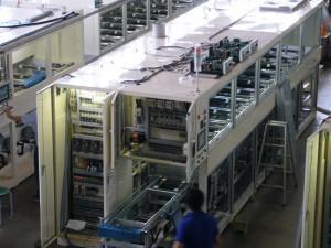 多槽式超音波洗浄機の組立